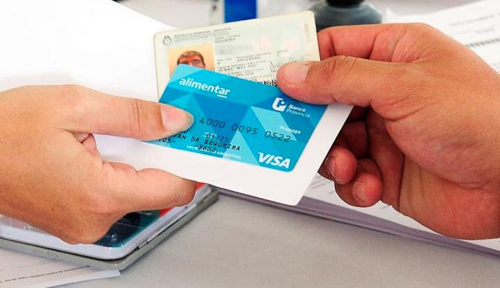 El Gobierno nacional distribuyó 600.000 tarjetas alimentarias en siete provincias