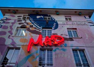 Club nocturno suizo cerrado por covid-19 se convirtió en centro de donación de sangre