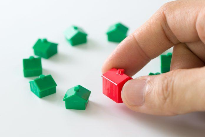 Adquirir una propiedad para alquilar te permitirá vivir de rentas